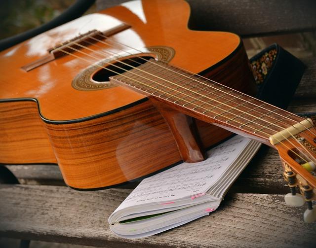 Comment s'inspirer des experts pour choisir ses cordes de guitare ?