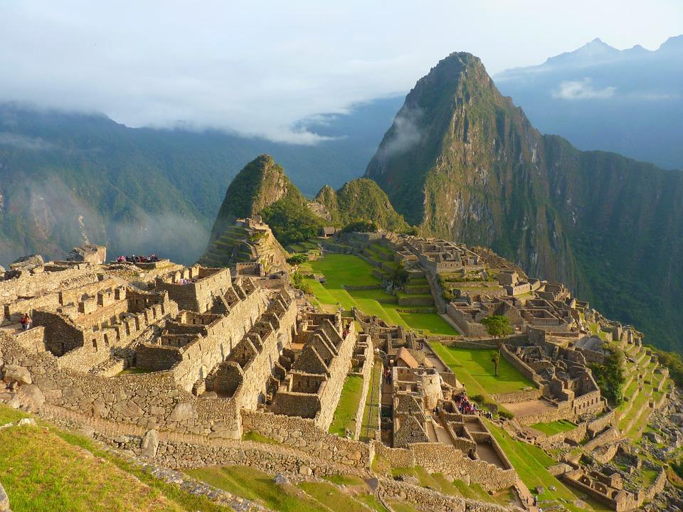 Faire des randonnées pour mieux explorer le territoire du Pérou